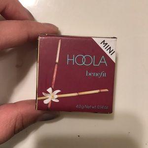 """""""HOOLA"""" benefit bronzer"""